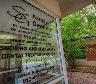Outside Window | Leawood, KS | S & G Family Dentistry, P.A.